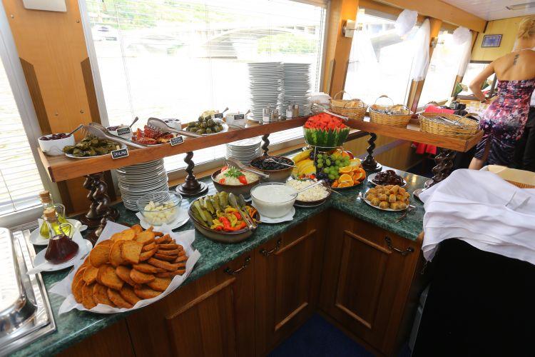 Oslavy na lodi - dobrota