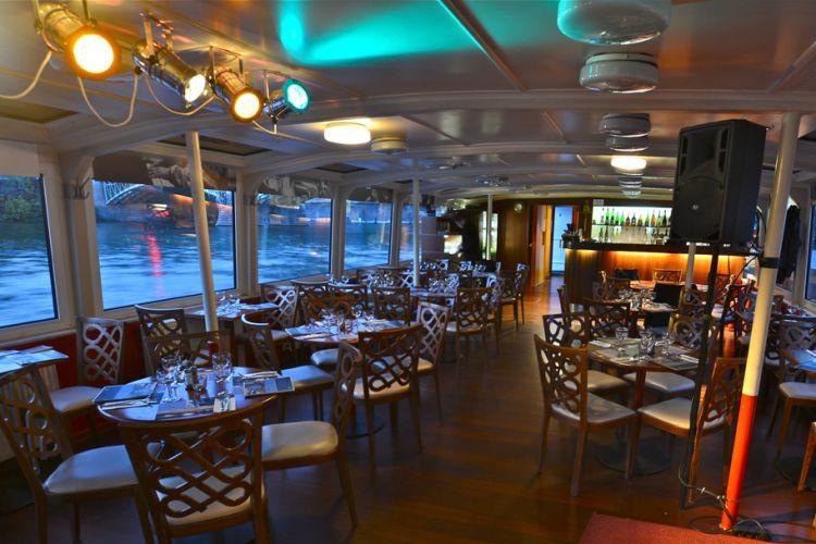 Jazzboat - interiér