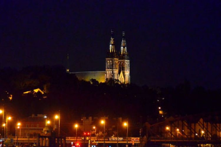 Evening cruise - Vysehrad Castle view